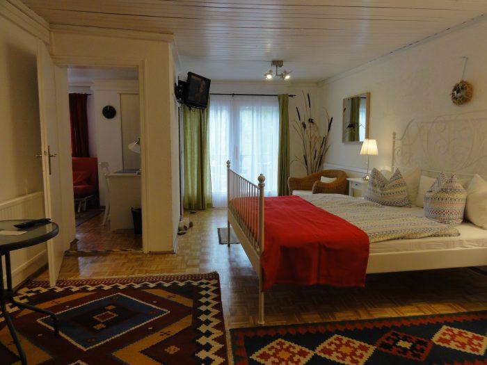 Apartement 2 Zimmer Balkon Küche DU WC